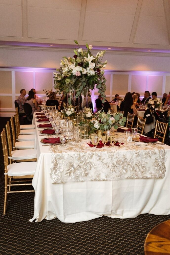 estate table at evansville country club wedding reception